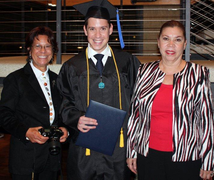 grad89_studentwfamily