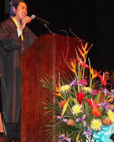 63_grad2013_valedictorian